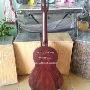 Cửa hàng nhạc cụ Minh Phát chuyên bán đàn guitar mini giá rẻ dành cho người mới tập. Mẫu đàn guitar mini size 3/4 gỗ điệp cho chất lượng âm thanh vang và ấm.