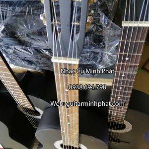 đàn guitar classic giá rẻ dưới 1 triệu cho người mới tập chơi